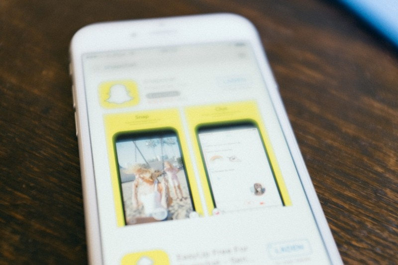 snapchat-is-a-social-media-app-with-a-content-sharing-feature